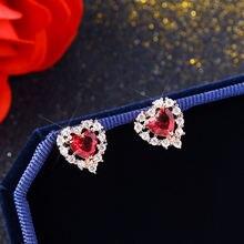 Женские корейские серьги гвоздики из розового золота с красным