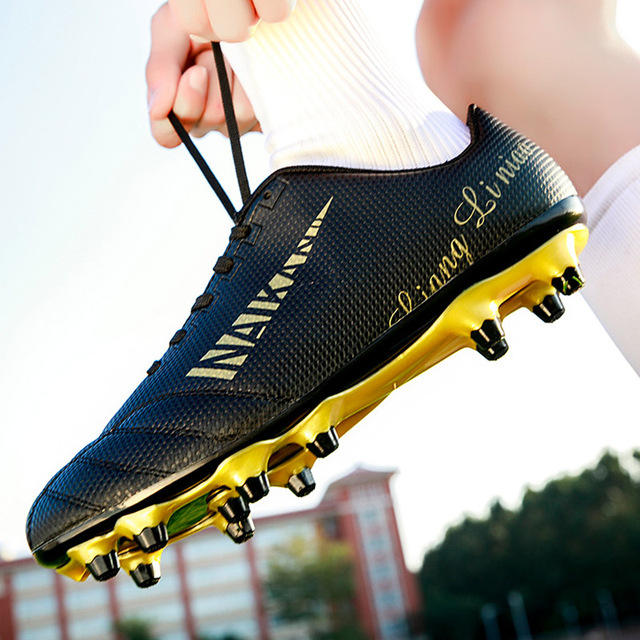 2020 Men Boys Outdoor Lawn FG Soccer Shoes Women Long Spikes AG Football Boots Kids Sneakers Lace Up Futsal Cleats Size 32-45