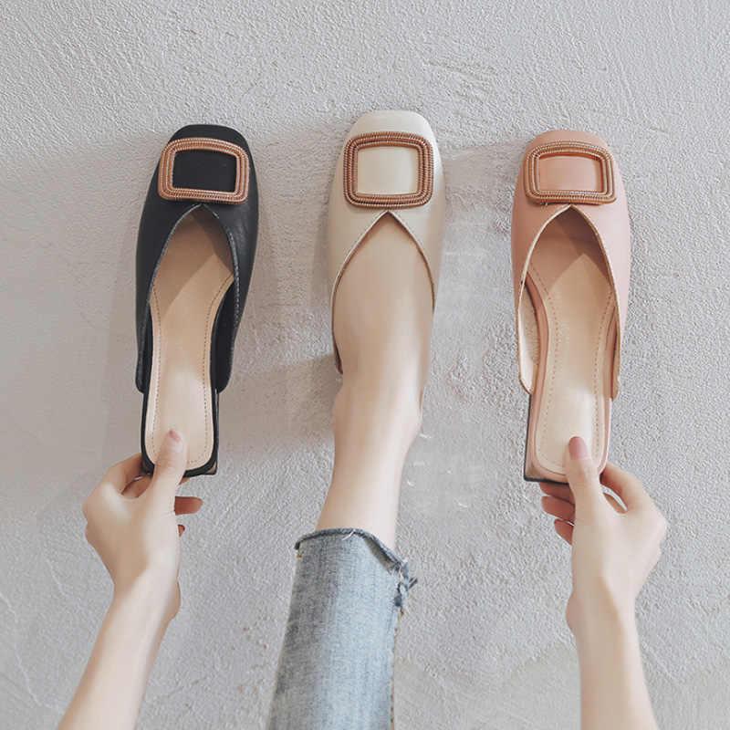 Donne di estate Delle Pompe Pantofole Donna Slip On Mules Femminile Tacchi Quadrati Bassi Britannico Scarpe Delle Signore del Metallo di Modo Scarpe Big Size 43