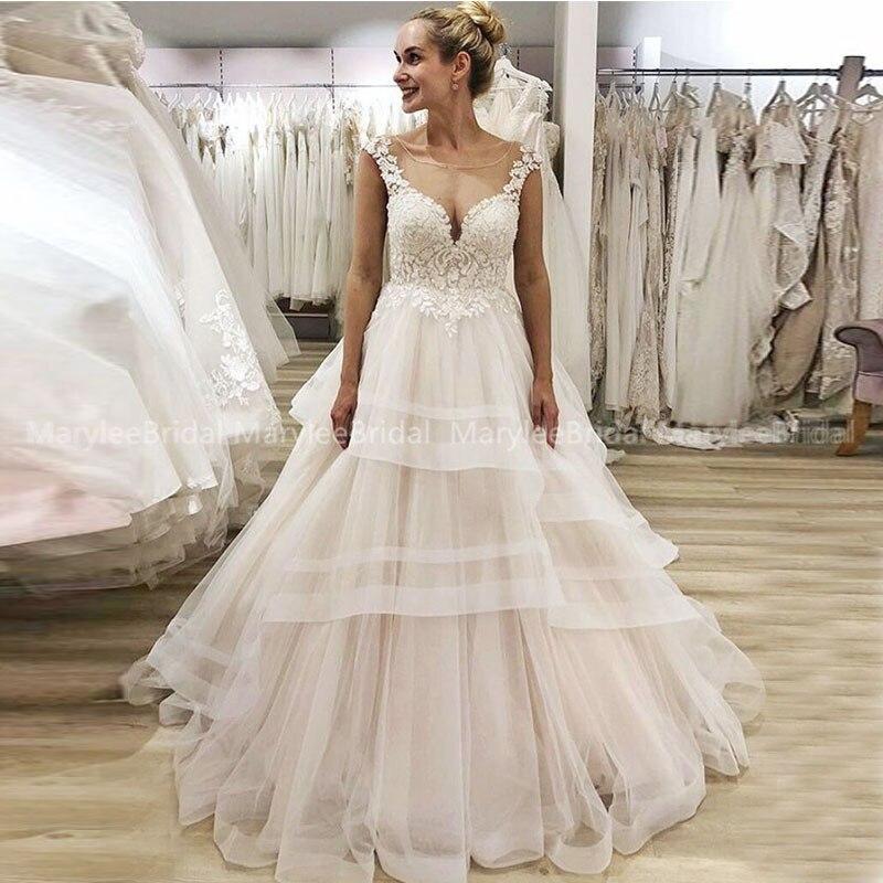New Arrival Sheer Scoop Neck Luxury Wedding Dress Cap Sleeves Floral Appliques Tulle Bridal Gowns Tiered Skirt Vestido De Novia