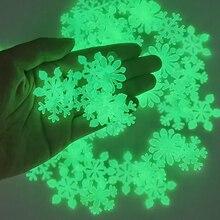 50 piezas 3D copo de nieve luminoso pegatina de pared fluorescente que brilla en la oscuridad etiqueta de la pared para Homw habitación de los niños decoración de Navidad