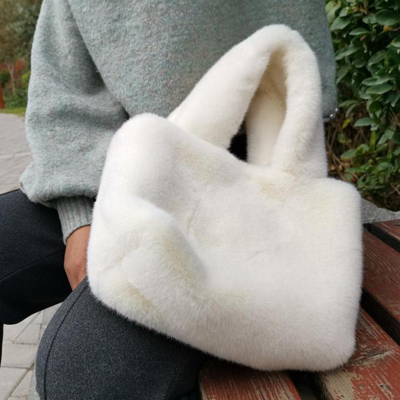 Fashion Winter Fluffy Bag For Women Versatile Faur Fur Messenger Shoulder Bag Plush Shopping Totes Cute Plush Small Handbag