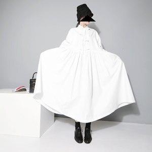 Image 5 - [EAM] 여성 붕대 활 분할 공동 Pleated 빅 사이즈 드레스 새로운 옷깃 긴 소매 느슨한 맞는 패션 조수 봄 가을 2020 1D752
