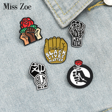 BLM Rist Enamel Pins Custom Black Lives Matter Brooches Lapel Pin Shirt Bag Everyone Lives Matter Badge Jewelry Gift for Friends