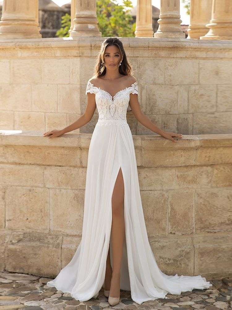 Wedding-Dress Bridal-Gown Robe-De-Mariee Lace Side-Slit Applique Bohemian Sexy Plus-Size