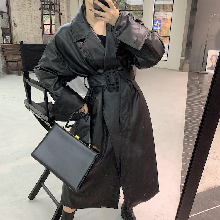 H73d13c767bdd4103a03cd185d7d923a6H Lautaro Long oversized leather trench coat for women long sleeve lapel loose fit Fall Stylish black women clothing streetwear