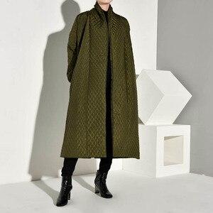 Image 2 - LANMREM PLaided bawełny wyściełane nowy zielony kolor płaszcz z długim rękawem luźny krój kobiety parki moda fala nowa jesienna zima 2020