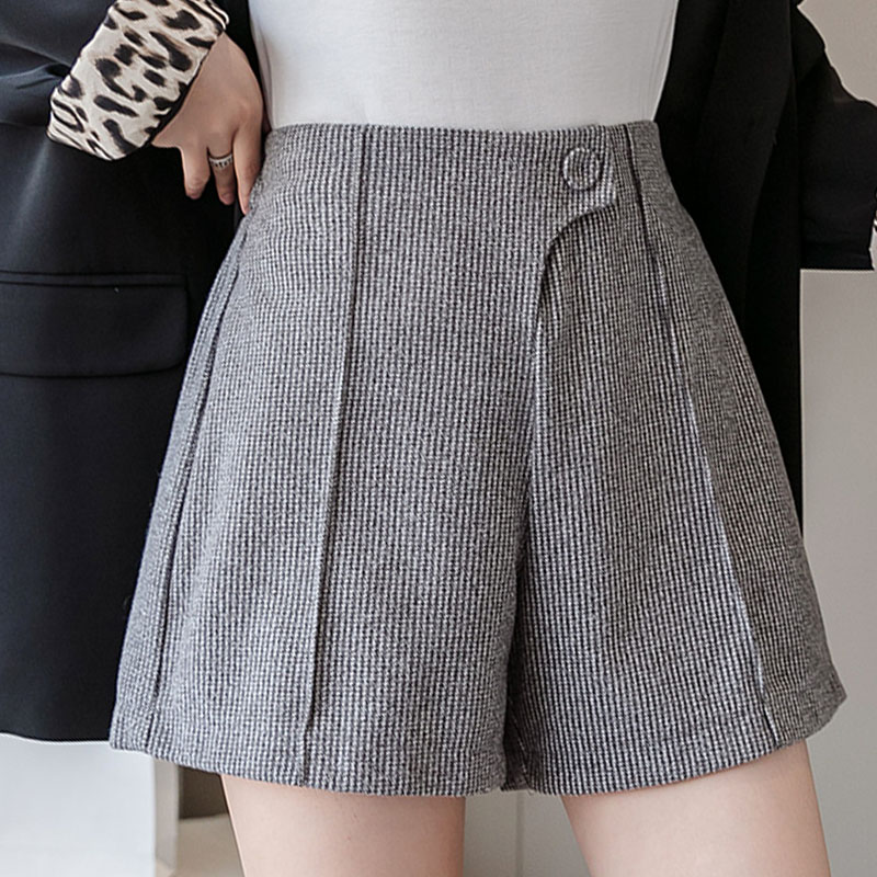 Winter Shorts Women 2019 Casual Solid Button Pockets Draped Loose Female Short Pants Women High Waisted Shorts For Women 0411