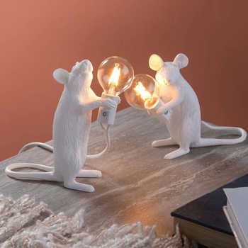 Postmodern Resin Rat Mouse Table Lamp Small Cute LED Night Lights Home Decor Desk Lights Creative Desk Lamps Bedside Gift Decor