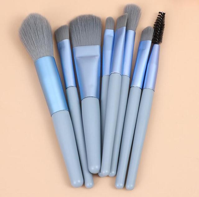 8pcs Mini Matte Makeup Brushes Set Wooden Handle Eyeshadow Eyebrow Foundation Blush Loose powder Lips Face Makeup Tools 4