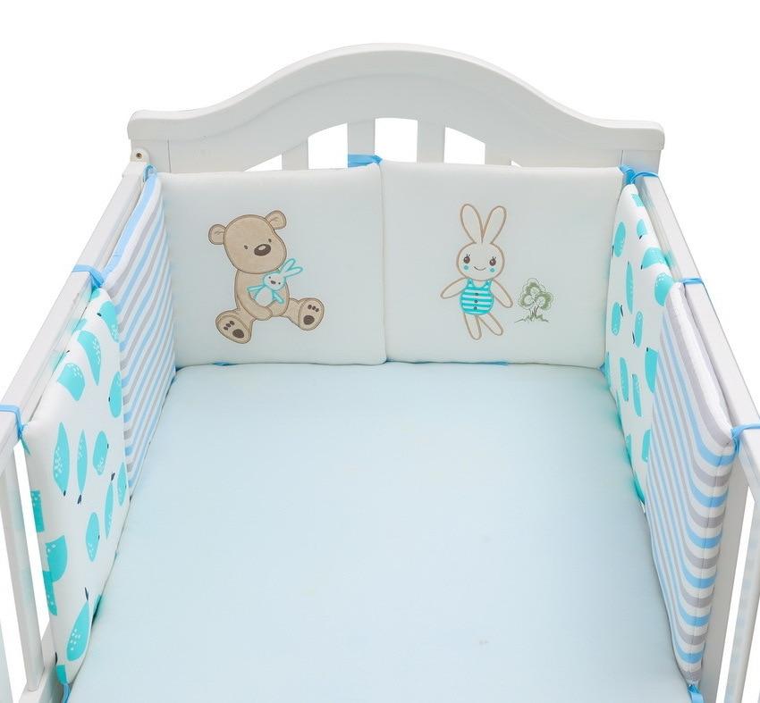 蓝色小熊和兔子