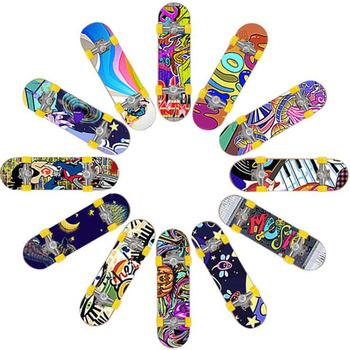 1PC śliczne dzieci dzieci Mini podstrunnica Skate Boarding zabawki dla dzieci prezenty Party Favor zabawka losowo tanie i dobre opinie Z tworzywa sztucznego CN (pochodzenie) 12 + y Finger Skateboard none 3 74*0 98in