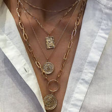 Женское колье золотистого цвета с медальоном Ювелирное Украшение