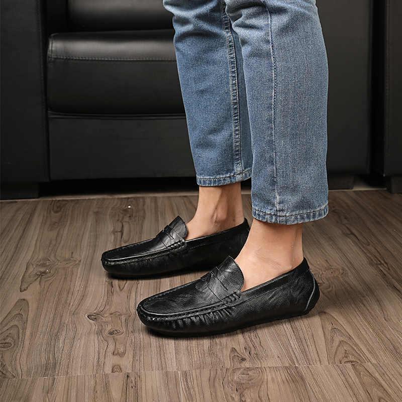 Ręcznie robione miękkie mokasyny skórzane męskie letnie mokasyny oryginalne buty ze skóry ultra lekkie slip-on drive mieszkania niskie najlepsze buty