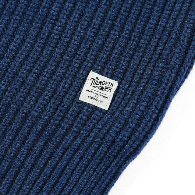 Thick Sweater with Raglan Sleeves