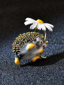 Daisy Brooches Hedgehog Animal Jewelry Cindy Xiang Funny Winter-Design High-Quality Women