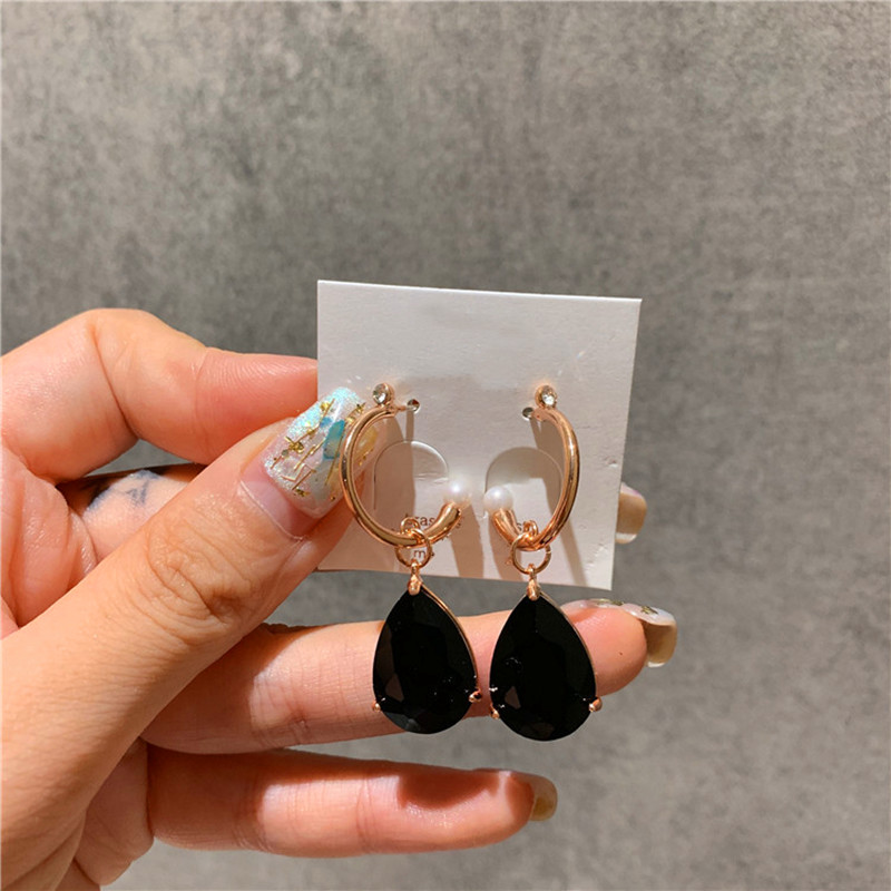 The Metal Joker Korea New Fund Vogue Is Delicate Lady Pendant Earrings Contracted Individual Character Temperament Earrings in Drop Earrings from Jewelry Accessories