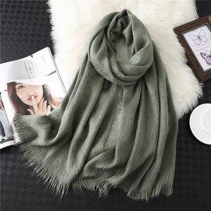 Image 2 - Лидер продаж 2020, новый зимний теплый толстый шарф хиджаб из чистого кашемира, Женская шаль, бандана, женские шарфы, Пашмина