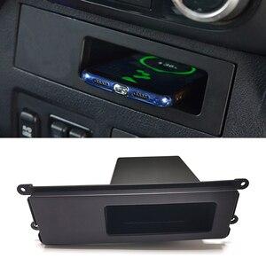 Para mitsubishi pajero 2017 2018 10w carro qi carregador sem fio placa de carregamento suporte do telefone sem fio caixa armazenamento console central