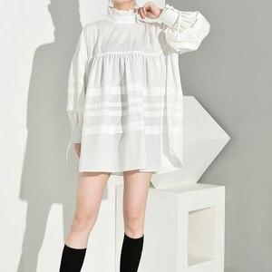 Image 5 - [EAM] blusa de mujer de talla grande con cuello alto nueva camisa holgada de manga larga a la moda Primavera otoño 2020 1D464