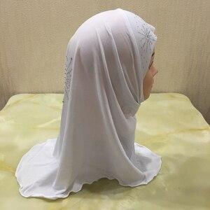 Image 4 - 2 7 歳の少女クリスタル麻女の子ヘッドスカーフイスラム教徒 Hijabs キャップ美しいダイヤモンドひまわりインスタント Hijabs 女の子
