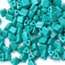 450pcs Triangle Colored Glass Beads For Women DIY Jewelry Making Clothing Accessories Loose Charm Rice Wholesale R1