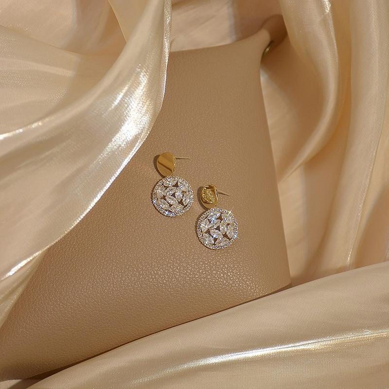 VILAGE Luxury Temperament Shine Round Earring for Women Charm Bling Zircon Stud Earring Brincos Wedding Jewelry Gift