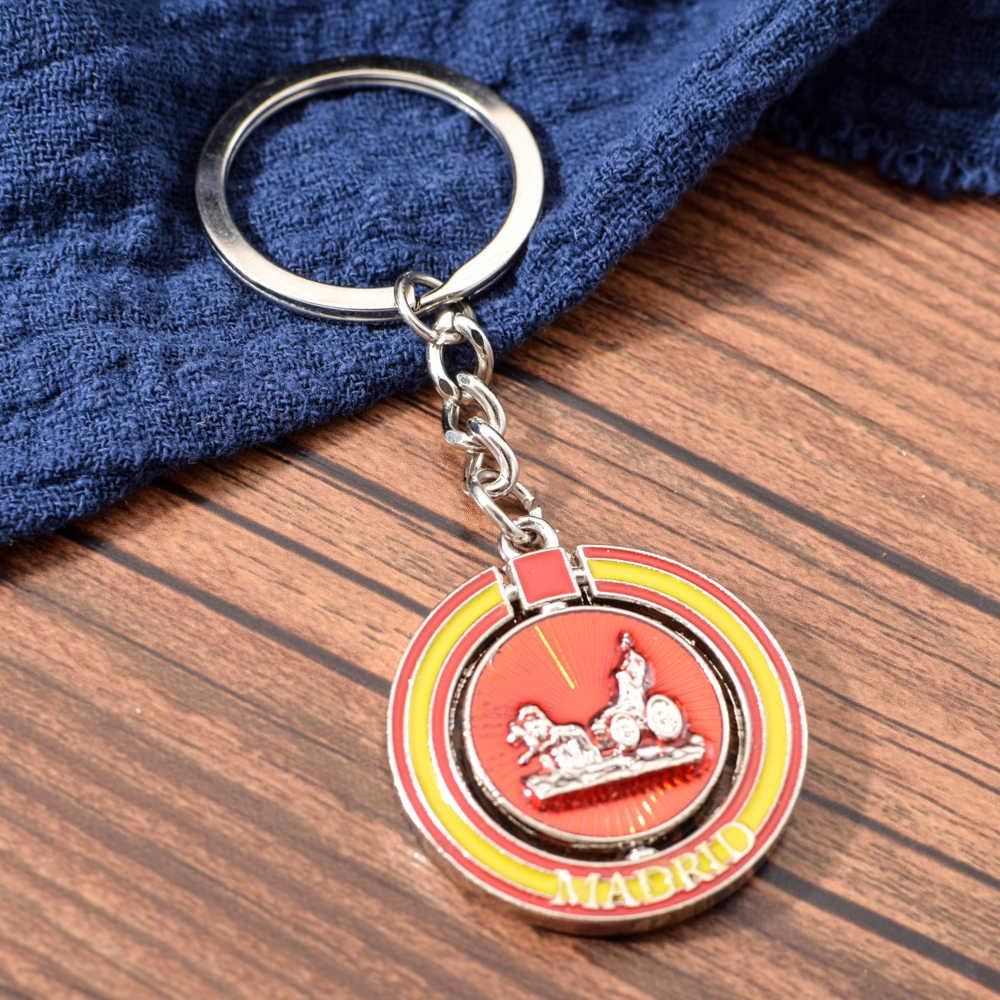 Vicney اسبانيا العلم جولة المفاتيح مدريد تدوير مفتاح ميدالية مفاتيح ذات حلقة للنساء الرجال مدريد هدية تذكارية سياحية صديق هدية Keyfob