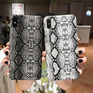 Image 3 - Elegante retro cassa del telefono creativo per iphone X XR XS MAX per il iphone 6 6S 7 8 PIÙ anti Autunno di personalità in pelle di pitone caso