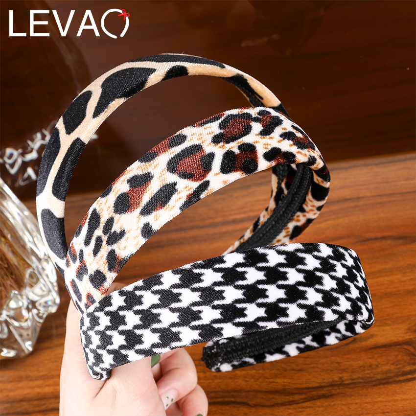 LEVAO Leopard-Print Headband Velvet Wide Knot Hoop Hair Bands Hoop Hairband For Women Fashion Headbands Hair Accessories