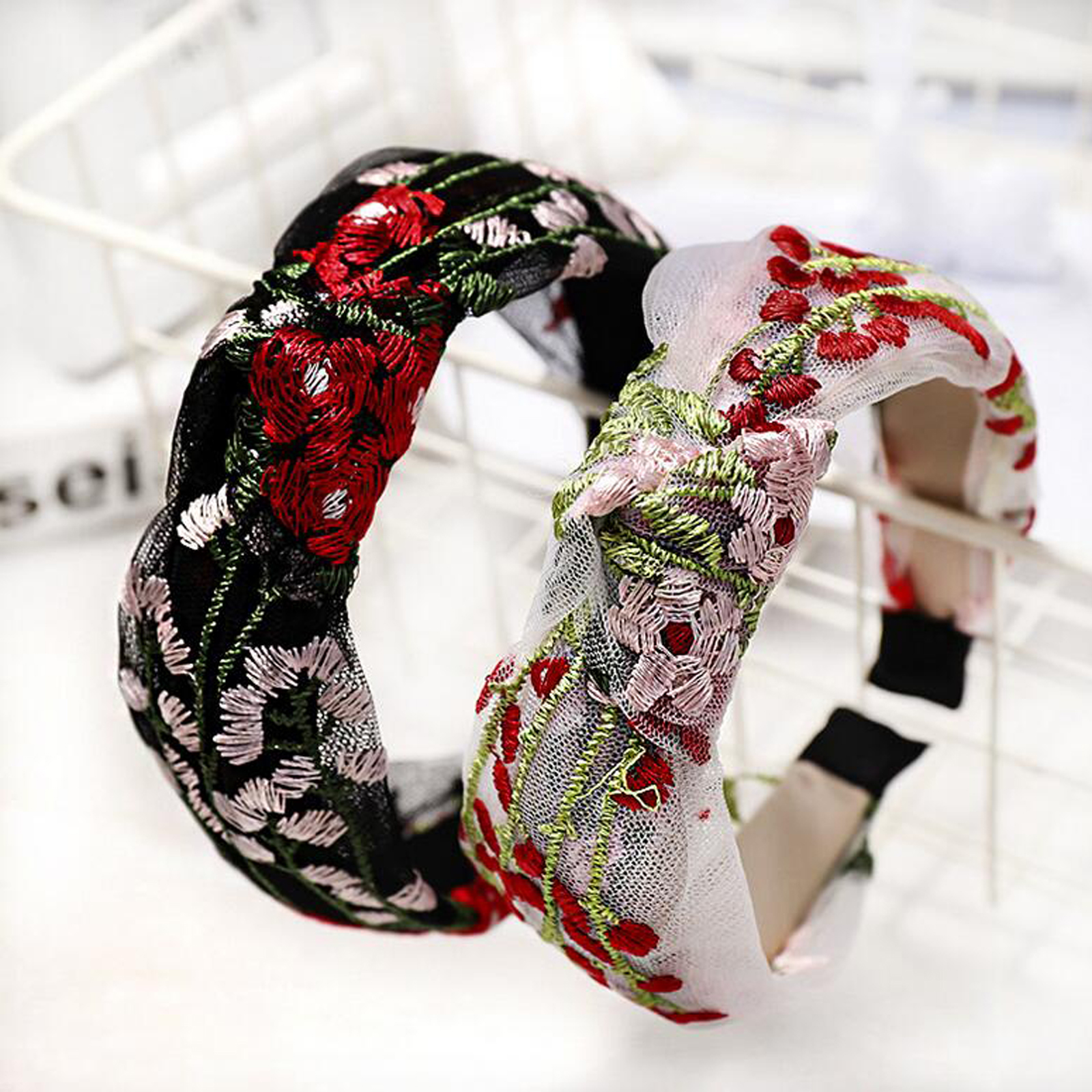 New Fashion Embroidery Floral Headband Women Casual Center Knot Hairband Women Hair Band Soft Turban Hair Accessories
