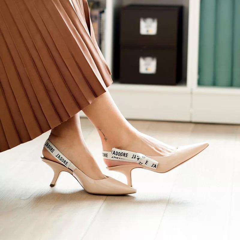 ZHENZHOU/стильные женские туфли лодочки и сандалии с бантиком; модные женские туфли лодочки с острым носком, на каблуке, украшенные буквами, с открытой пяткой
