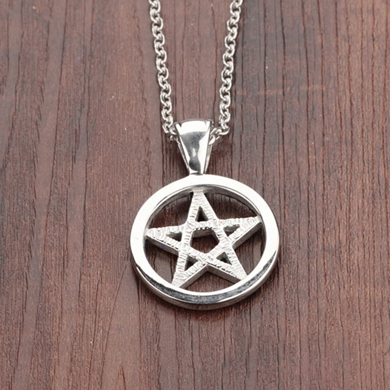 Fashion Hollowing Out Five Pointed Star Pendant Necklace Hip Hop Punk Stainless Steel Pendant Jewelry Cool Accessories For Men