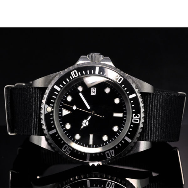 Round Self Winding Mens Watch Black Dial Nylon Strap Polished Case 42mm Automatic Watch Auto Movement