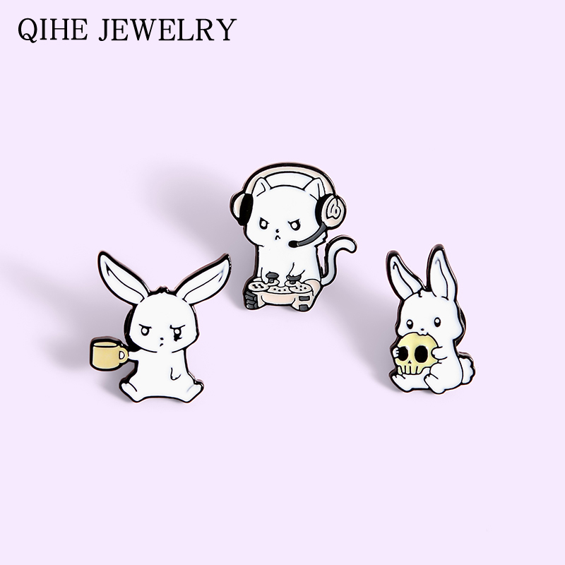 Rabbits Pins Skull Drink cup E-sports Game White Bunny Animal Brooches Mini Metal Badge Pin Button Gifts For Women Men