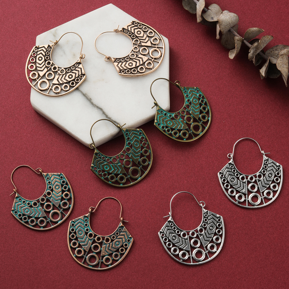 Vintage Boho Ethnic Hollow Engraved Hanging Dangle Drop Earrings For Women Female Fashion 2019 Jewelry Accessories Ear Charming