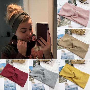 Kobiety z pałąkiem na głowę jednolity kolor szeroki Turban ścieg kręty bawełna Hairband akcesoria do włosów Twisted wiązane Headwrap tanie i dobre opinie yanrong CN (pochodzenie) Poliester Dziewczyny Dzieci Nakrycia głowy Opaski Moda Stałe DDXB DDRD