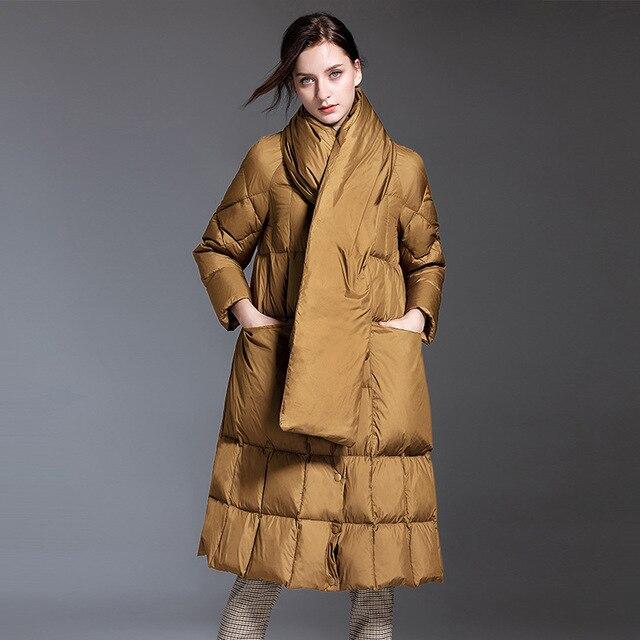 Europe hiver jupe style 95% duvet de canard manteau avec écharpe femme grand pendule sur le genou plus épais chaud canard doudoune F134