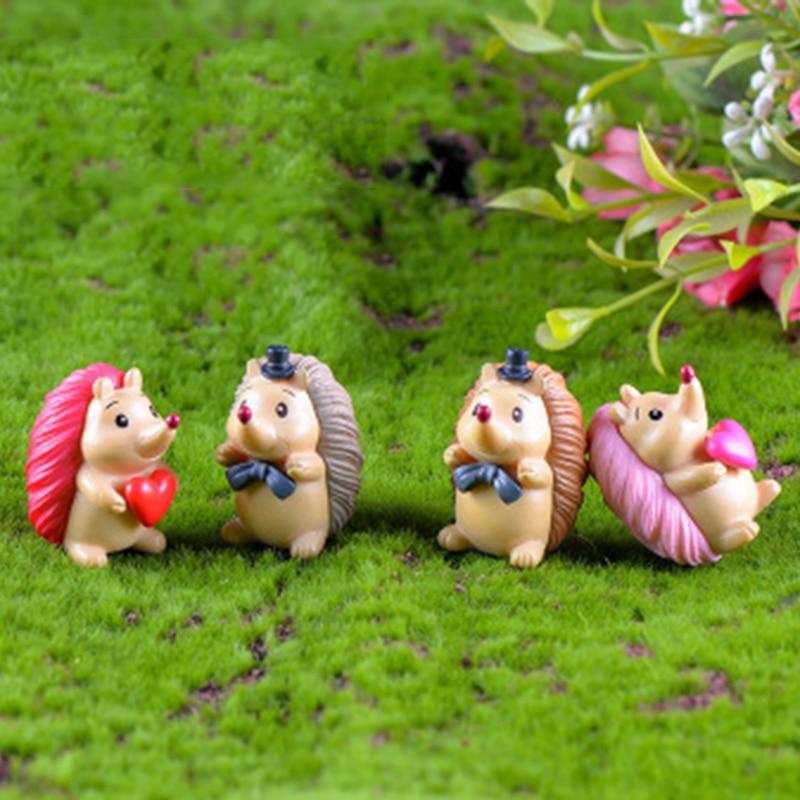 Colorful Hedgehog Cartoon Thorn Pig Spain Saudi Arabia Arab Emirates Statue Figurine Crafts Figure Home Decoration