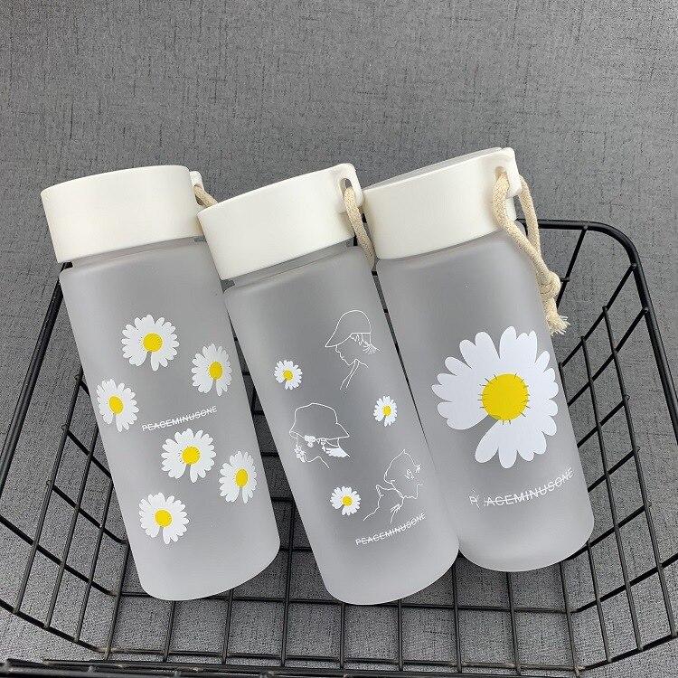 600 мл маленькая Маргаритка прозрачные пластиковые бутылки для воды без БФА креативная Матовая бутылка для воды с портативной веревкой доро...