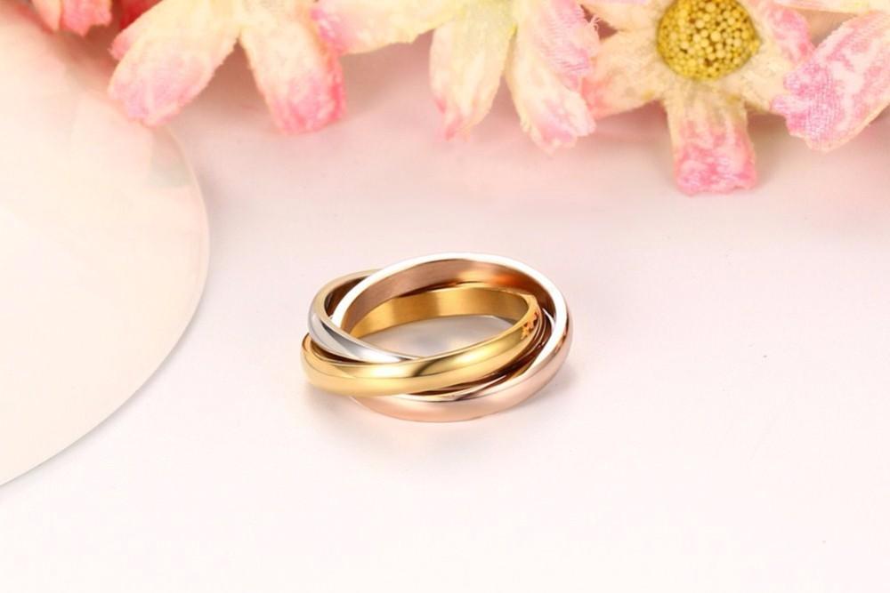 Women Interlocked Rolling rings 17