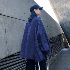 Image 2 - [EAM] ผู้หญิงถักแยกขนาดใหญ่Denimเสื้อใหม่แขนยาวหลวมFitเสื้อแฟชั่นฤดูใบไม้ผลิฤดูใบไม้ร่วง2020 1K218