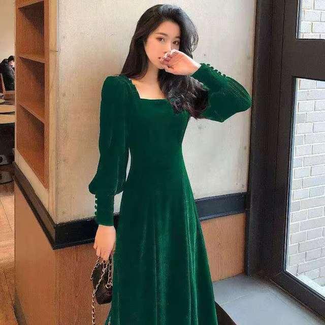 Autumn and winter 2021 new gold velvet dress women French retro square collar waist Office Lady  Knee-Length 5