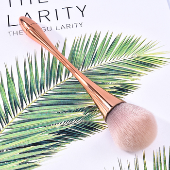 1 Piece Champagne Gold Precision Liquid Foundation Brush Tapered Buffing Sculpting Angled Makeup Brushes Tools