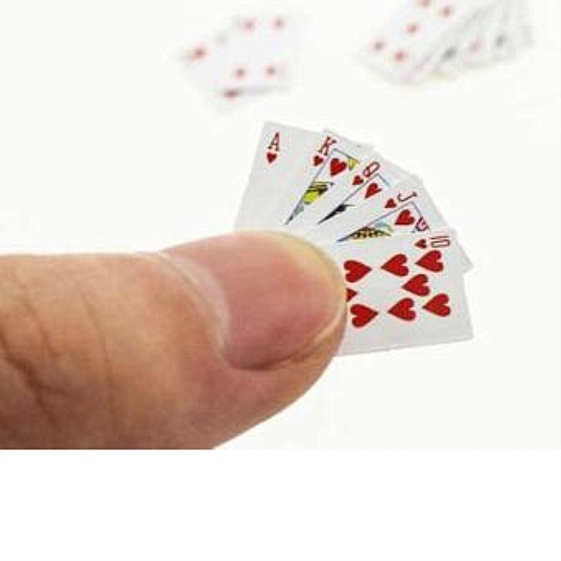 1:12 Cute Miniature Dollhouse Cute Mini Poker Playing Cards Mini Cute Poker Doll Accessories Style Random Board Game For Party