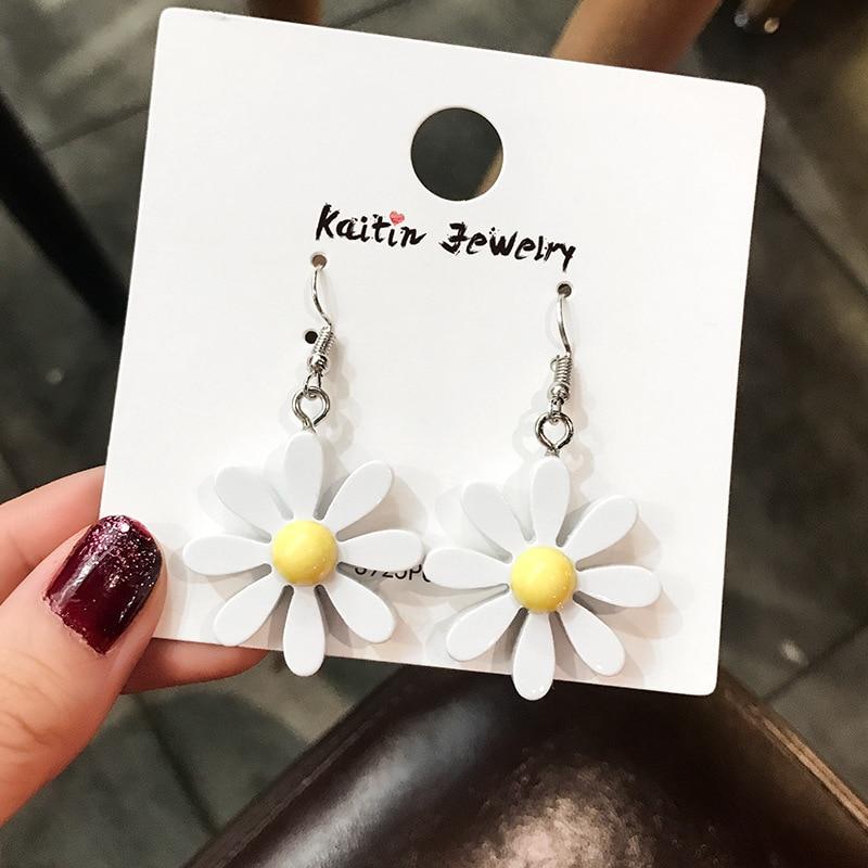 Women Flower Earrings Stud Earrings For Girls Children Silver Cheap Jewelry Wholesale Cute Small Daisy Earrings 2019 Statement
