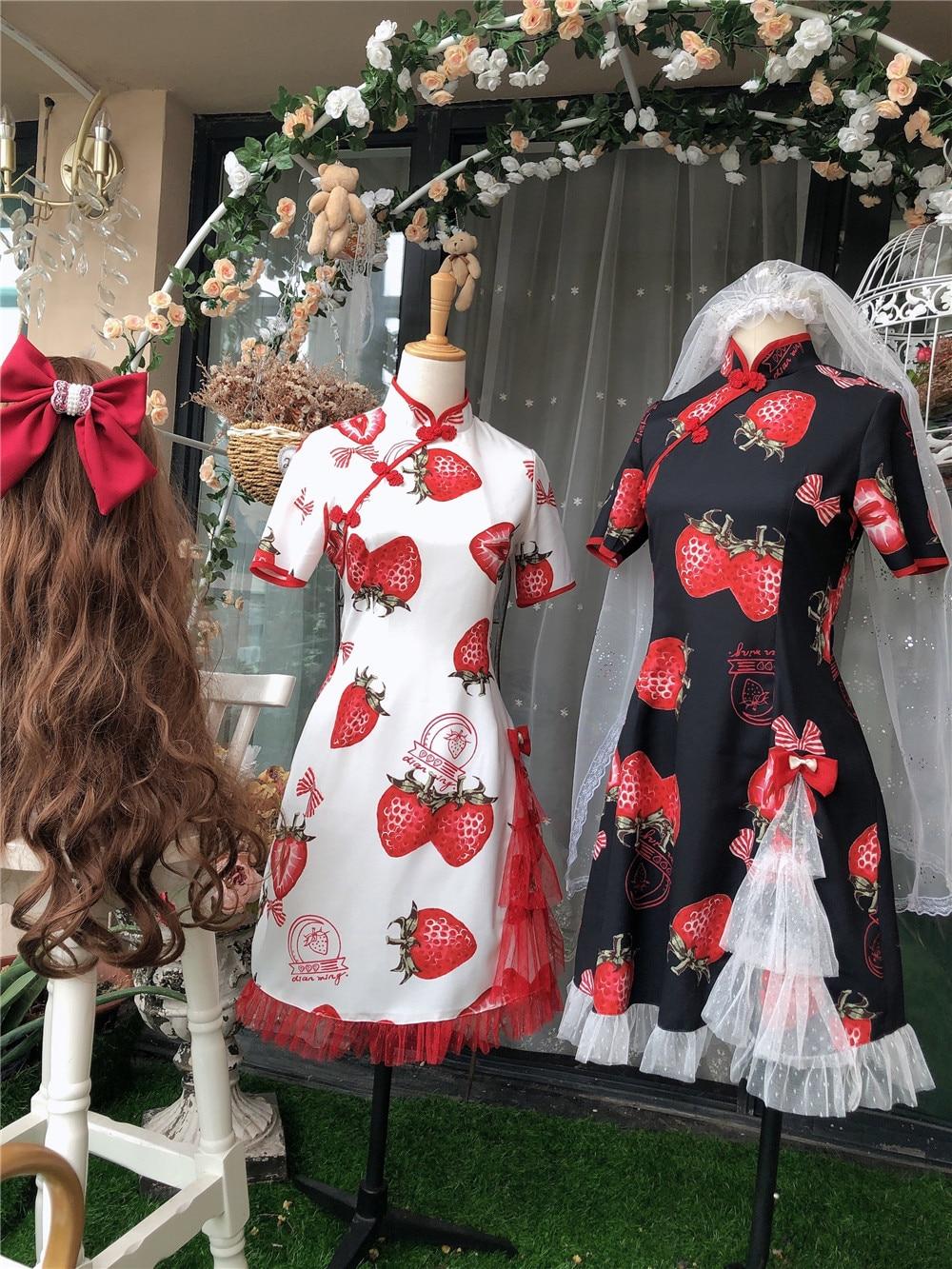 Купить готическое летнее платье в стиле лолиты милое с принтом клубники
