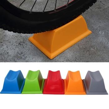 バイクサイクル自転車サイクリングフロントホイールターボトレーナーライザー支持ブロック -