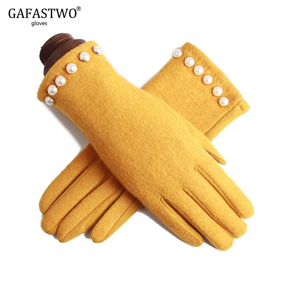 Autumn And Winter Women Touch Screen Gloves Ladies Warm Fashion Gloves Riding Full Finger Plus Cashmere Gloves Yellow Red Color
