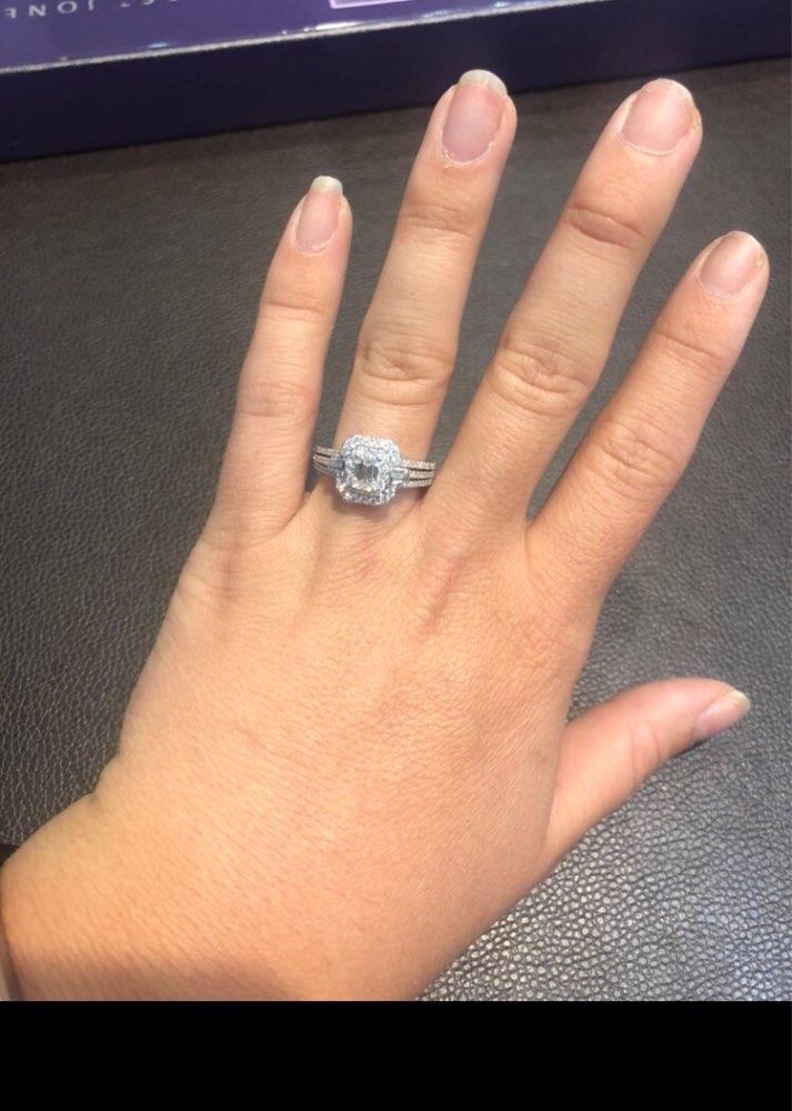 Or blanc 18K solide 1.18ctw diamants naturels a un saphir de petite taille K dans la bague de mariage de fiançailles pour les femmes
